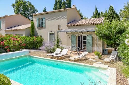 Last Minute Cottages - Villa des Alpilles