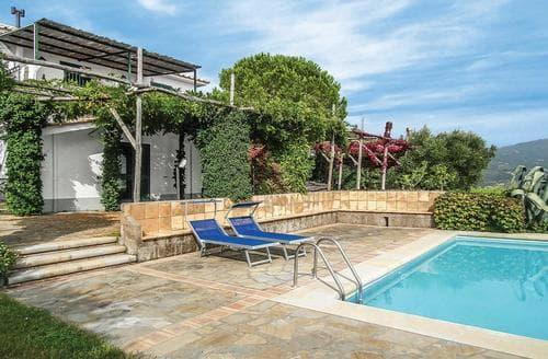 Last Minute Cottages - Isca