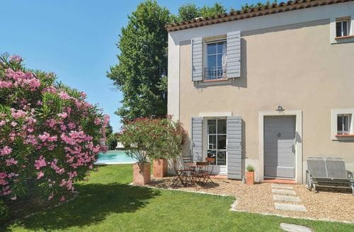 Last Minute Cottages - Maison des Chenes