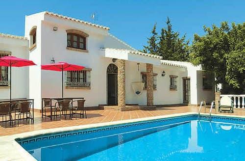 Last Minute Cottages - Villa Paradise