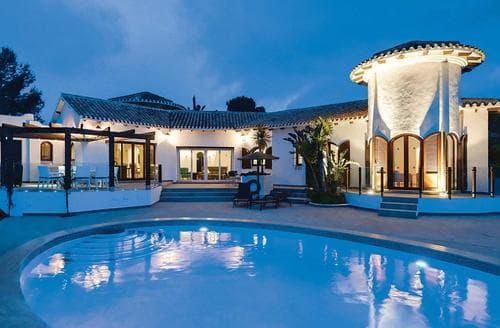 Last Minute Cottages - Villa Alexandria