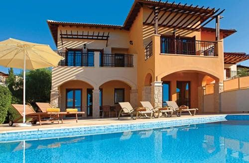 Last Minute Cottages - Theseus Village TE02