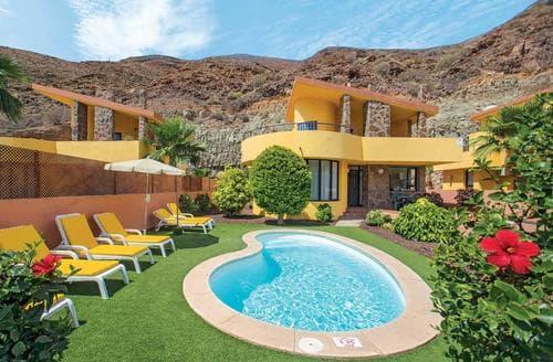 Last Minute Cottages - Villas Flores