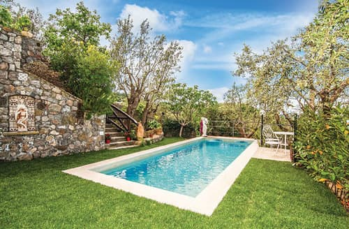 Last Minute Cottages - Villa  Fortino