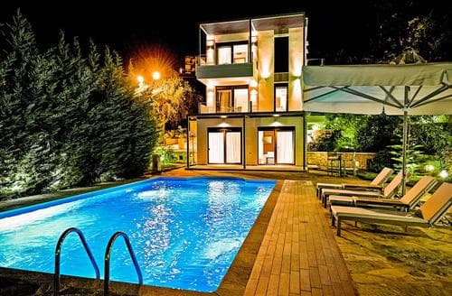 Last Minute Cottages - Mare Dream