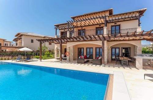 Last Minute Cottages - Villa Iris