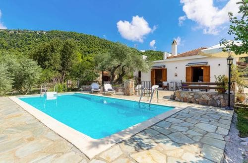 Last Minute Cottages - Villa Ioanna