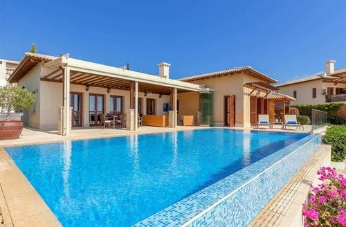 Last Minute Cottages - Villa Cypris