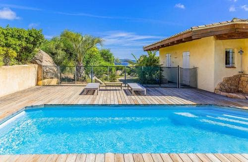 Last Minute Cottages - Villa Amanza