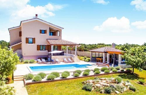 Last Minute Cottages - Villa Par