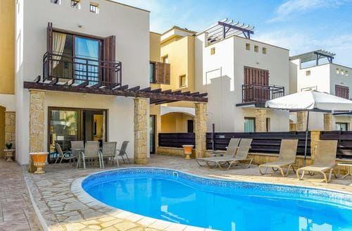 Last Minute Cottages - Villa Sophia