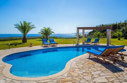Last Minute Cottages - Villa Alexandros
