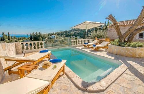 Last Minute Cottages - Maltezos