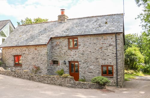 Last Minute Cottages - Great Bradley Cottage