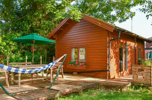 Last Minute Cottages - Orchard Cabin