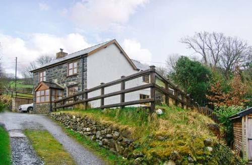 Last Minute Cottages - Glan Twrch