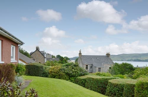 Last Minute Cottages - Rhuside