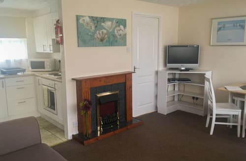 Last Minute Cottages - Beach Cottage 73 - UKC4085