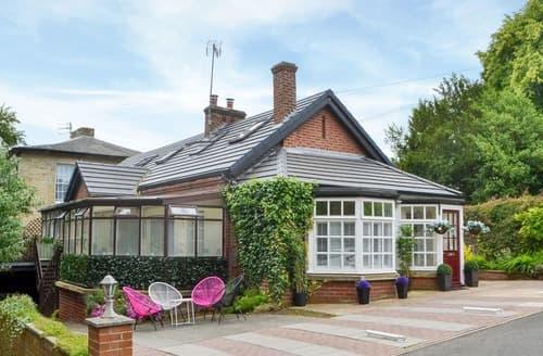 Last Minute Cottages - Cottingburn House