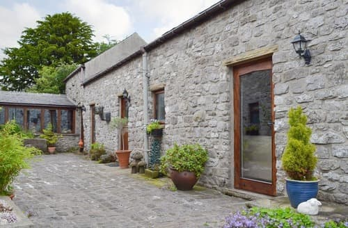 Last Minute Cottages - Courtyard Cottage At Dam Hall Barn