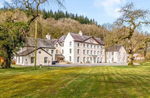 Big Cottages - Cilgwyn Manor