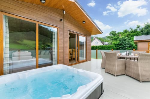 Last Minute Cottages - Llyn Conwy Lodge