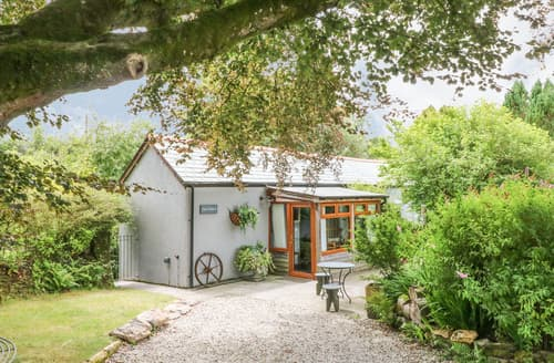 Last Minute Cottages - White Meadow Stable