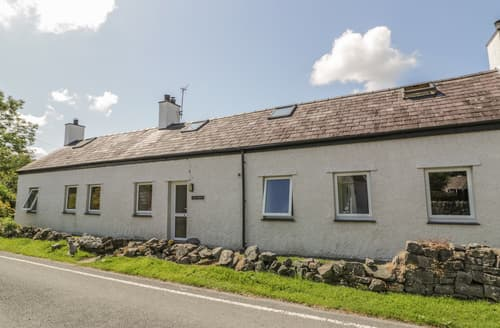 Last Minute Cottages - Ael Y Bryn