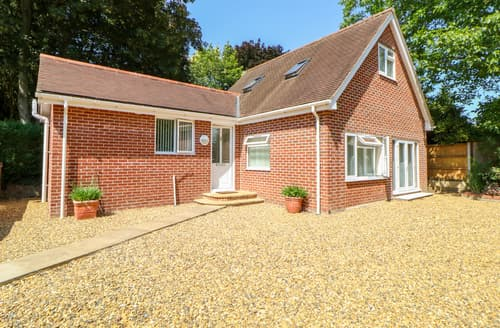 Last Minute Cottages - The Lodge at Orchard House