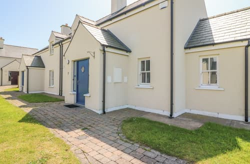 Last Minute Cottages - 7 SEANACHAÍ HOLIDAY HOMES