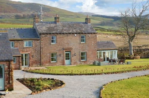 Last Minute Cottages - Todd Hills Hall Farmhouse & Vale Croft, Melmerby