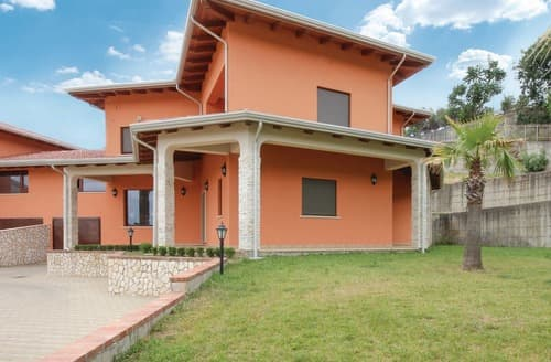 Last Minute Cottages - Villa Rossana