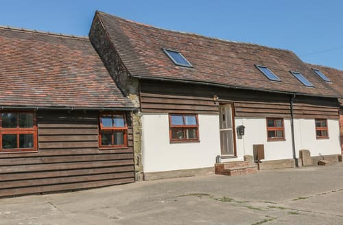 Last Minute Cottages - Old Hall Barn 3