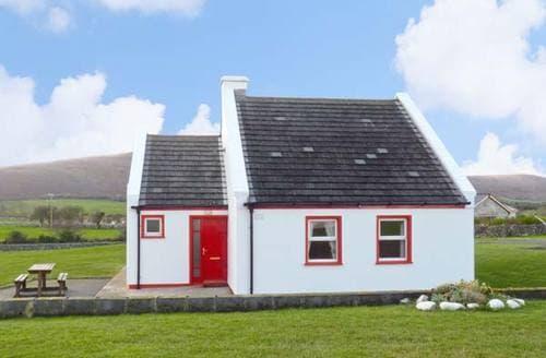 Last Minute Cottages - 1 Cois Cuaine