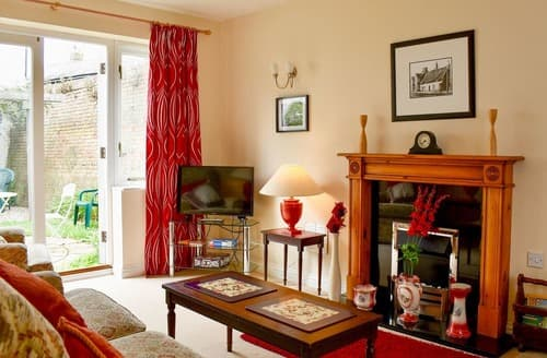Last Minute Cottages - Red Lion Cottage