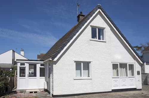 Last Minute Cottages - Crows Nest - Rhosneigr