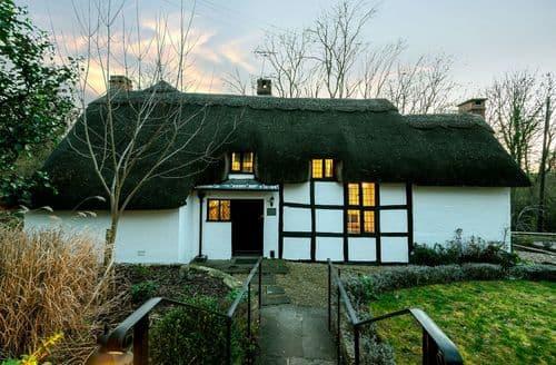 Last Minute Cottages - Brookside Cottage