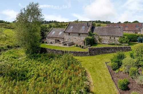 Last Minute Cottages - Waterside Barn