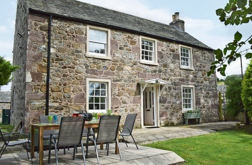 Last Minute Cottages - Waterloo Farm House