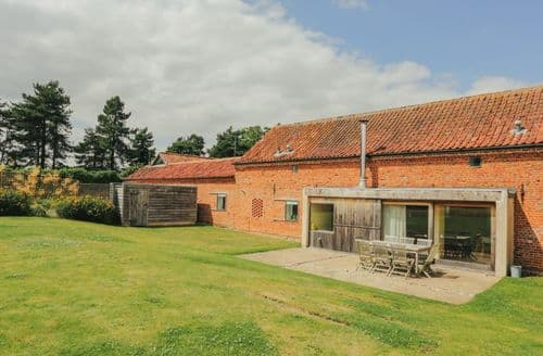 Last Minute Cottages - Hall Barn