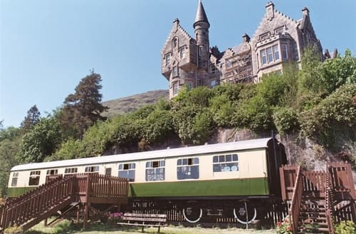 Last Minute Cottages - The Railway Carriage
