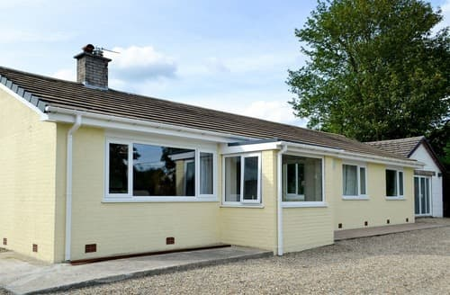 Last Minute Cottages - Bryn Yr Eos