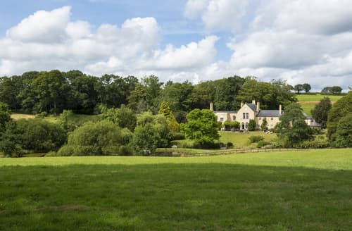 Last Minute Cottages - Colleton Hall and East Wing
