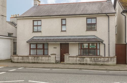 Last Minute Cottages - Minera