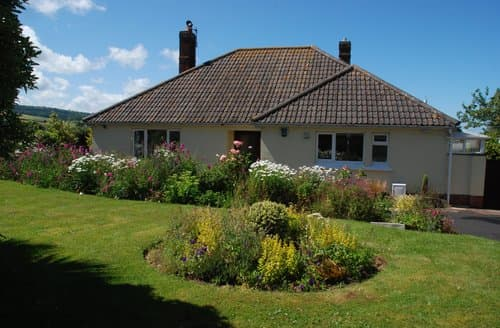 Last Minute Cottages - Meadow View, Blue Anchor