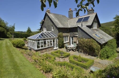 Last Minute Cottages - Oare Manor Cottage, Oare