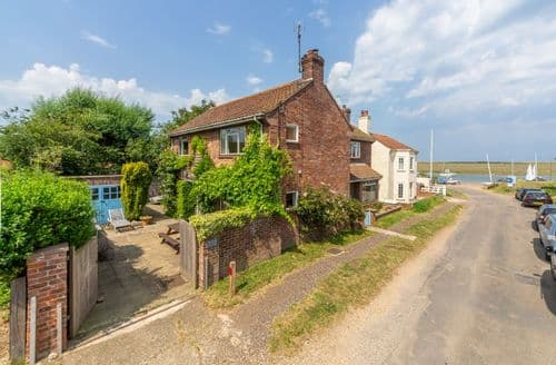 Last Minute Cottages - Hart's House