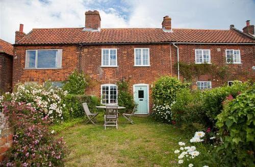Last Minute Cottages - 4 Gravel Hill