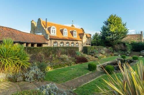 Last Minute Cottages - Appletree Barn