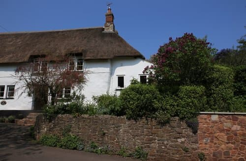 Last Minute Cottages - Little Haven, Alcombe